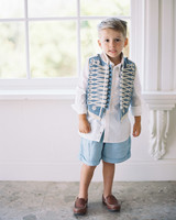 ring bearing wearing light blue vest and shorts