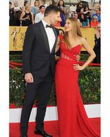 sofia-vergara-red-carpet-sag-awards-with-joe-red-vera-wang-0815.jpg