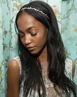 bridal-fashion-hairstyles-monique-lhuillier-spring-2017-side-0416.jpg