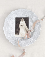 dinner-plate-ribbon-photograph-bride-elizabeth-messina-079-mwds110806.jpg