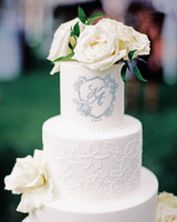 monogram wedding cake olivia leigh photographie three tarts bakery