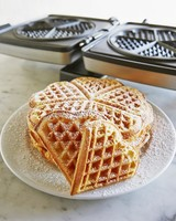 valentines-day-gifts-for-her-surlatable-heart-shaped-waffle-press-0216.jpg