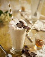late-night-milkshake-tennessee-honeycomb-whiskey-crunch-la-creamery-0615.jpg