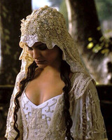 movie-wedding-dresses-star-wars-attack-of-the-clones-natalie-portman-0316.jpg