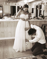 mfiona-peter-wedding-vermont-measuring-brides-dress-d3s.556.2015.47-d112512.jpg