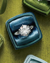 26 Engagement Rings with Brilliant Cut and Color