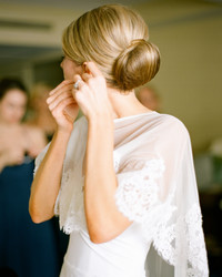 5 Ways to Fix a Wedding-Day Hair Emergency