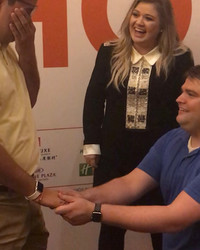Kelly Clarkson Just Helped a Couple Get Engaged