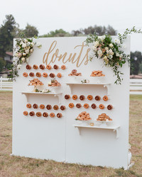 23 Delicious Ways to Serve Donuts at Your Wedding