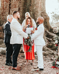 4 Signs You and Your Fiancé Click with Your Officiant
