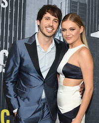 Kelsea Ballerini Hints at What Her Wedding Dress Will Look Like