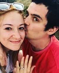 """La La Land"" Director Damien Chazelle Is Engaged!"