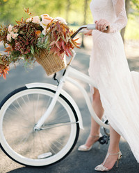 24 Ways to Use In-Season Flowers in Your Fall Wedding Arrangements