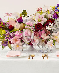 Painted Flowers Are the Wedding Trend You're About to See Everywhere