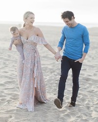 """The Bachelorette"" Alum Ali Fedotowsky's Beachside Wedding Will Give You Major Inspiration"