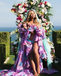 Beyoncé Just Shared Her First Photo of Twins Rumi and Sir Carter