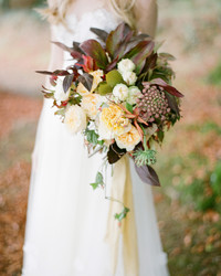 7 Genius Wedding Flower Hacks