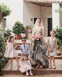 4 Things to Keep in Mind When Choosing a Flower Girl's Outfit for a Fall Wedding
