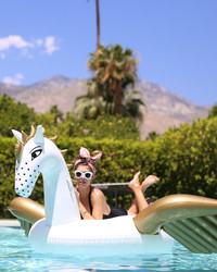 A Bachelorette Weekend Getaway in Palm Springs for Guest Blogger Jenny Bernheim of Margo and Me