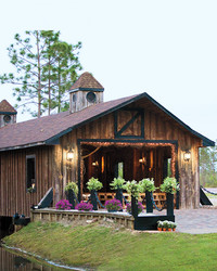 6 Covered Bridges That Make a Romantic Backdrop for a Wedding