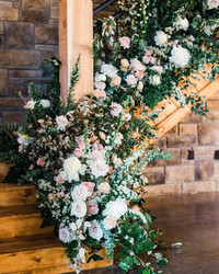 Seven Flowers Professional Florists Wouldn't Use for Their Own Wedding Arrangements