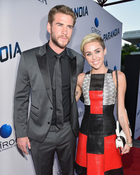 Miley Cyrus and Liam Hemsworth Are Writing a Play Together
