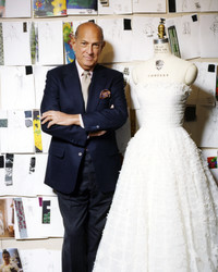 Oscar de la Renta's Expert Advice on Finding the Perfect Wedding Dress