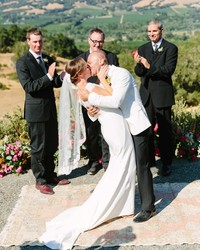 5 Signs That an Officiant Is Right for You