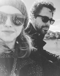 "Amanda Seyfried and Thomas Sadoski's Wedding Won't Be a ""Big Production"""
