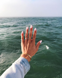 50 Engagement-Ring Selfies That Will Inspire You to Show Off Your Bling