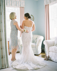When Should Your Final Wedding Dress Fitting Take Place?