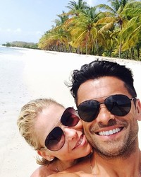 Here's How Kelly Ripa and Mark Consuelos Celebrated 21 Years of Marriage