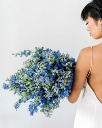 Single-Flower Wedding Bouquets for Minimalist Brides