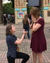 This Couple's Proposal at the Memphis Zoo Went Viral for the Most Incredible Reason