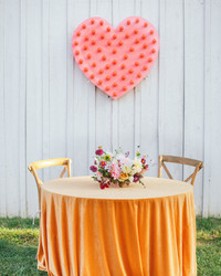 Should You Sit at a Sweetheart Table During Your Wedding Reception?
