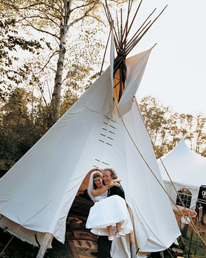 A Rustic Wedding Outdoors in Wisconsin