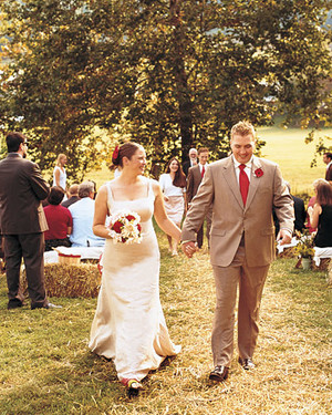 A Rustic Red-and-White Wedding Outdoors in Virginia
