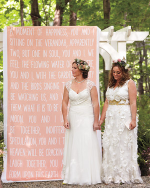 11 Unique Ways to Show Off Your Favorite Quotes at Your Wedding