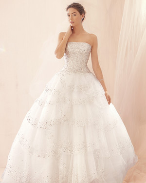 12 Beautiful Wedding Dresses from Fall 2012 Bridal Fashion Week