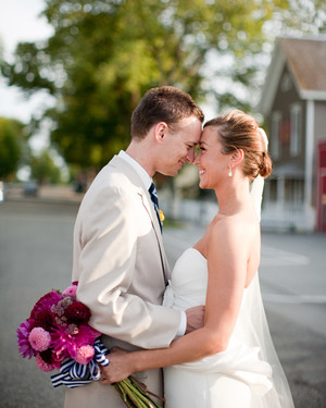 A Modern Pink-and-Navy-Blue Wedding Outdoors in Washington
