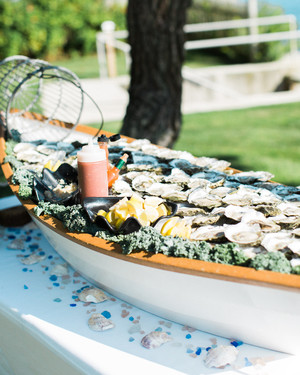 20 Raw Bars Perfect for Your Summer Wedding