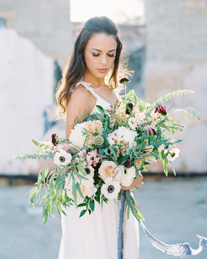 25 Anemone Wedding Bouquets For Every Type Of Bride Martha Stewart