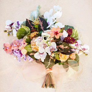 4 Island-Inspired Bouquets Perfect for Your Destination Wedding