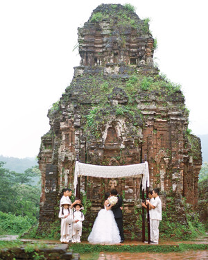 15 Amazing Destination Wedding Photos