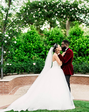 A Luxe Wedding at an Arboretum in Dallas, Texas