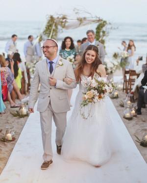 An Organic, Relaxed Beach Wedding in Bridgehampton, New York