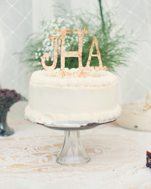 Monogrammed Wedding Cake Ideas You'll Want to Put Your Name On