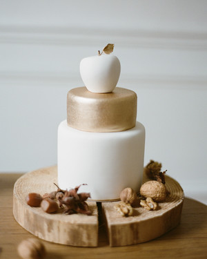 Apple-Themed Wedding Ideas That Are Perfect for Fall