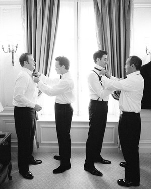 A Gent's Guide on How to Tie a Tie for the Wedding Day