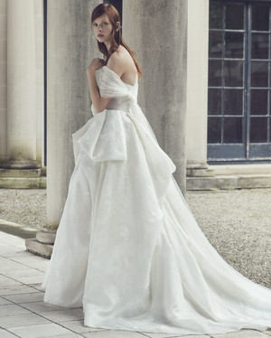 Monique Lhuillier Fall 2019 Wedding Dress Collection